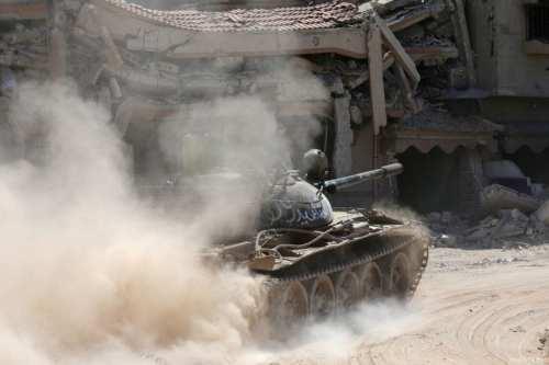Los soldados del régimen sirio se unen a las fuerzas…