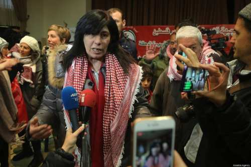 Israel encarcela a la diputada palestina Khalida Jarrar durante 2…