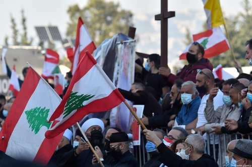 Manifestantes en el Líbano respaldan los llamamientos a la neutralidad…