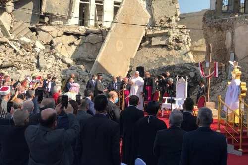 El Papa Francisco visita Qaraqosh, enclave cristiano dominado por Daesh…