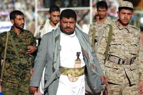El líder hutí advierte a Irán de no detener el…
