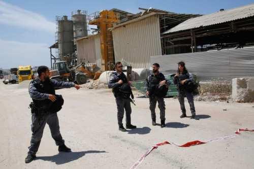 Una explosión sacude la fábrica de misiles de Israel durante…