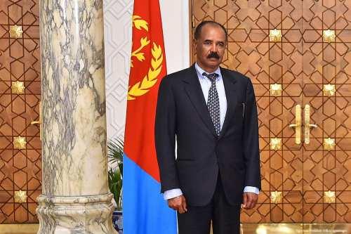 El presidente de Eritrea visita Sudán para mediar sobre la…