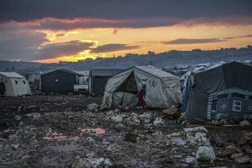 Siria: La ONU envía 65 camiones de ayuda a Idlib