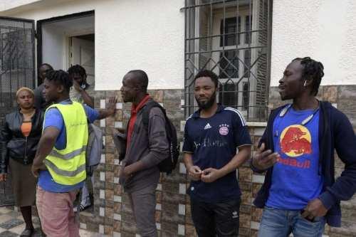 Túnez rescata a más de 100 inmigrantes irregulares en el…