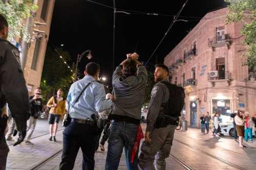 La policía israelí lanza una campaña de detenciones contra ciudadanos…