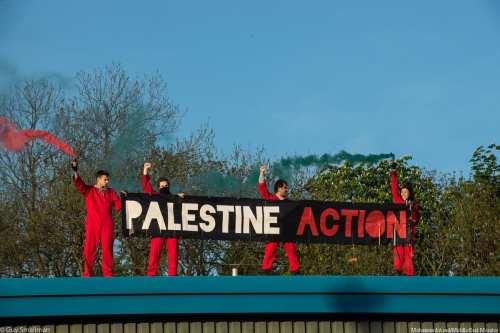 Manifestantes se apoderan de la fábrica de armas de Israel…