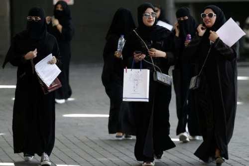 Arabia Saudí permitirá a las mujeres vivir solas sin tutor…