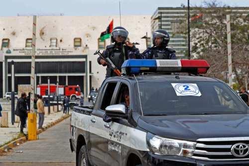 Libia reabre la carretera costera que conecta el este y…