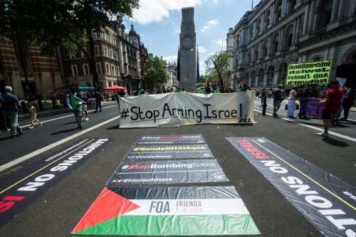 Miles de personas se han reunido en Londres para pedir…
