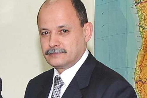 Egipto detiene al ex director del periódico Al-Ahram acusado de…