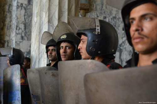 Cientos de policías egipcios se enfrentan a un juicio por…