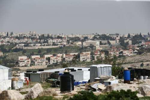 Los asentamientos israelíes constituyen un crimen de guerra, afirma un…