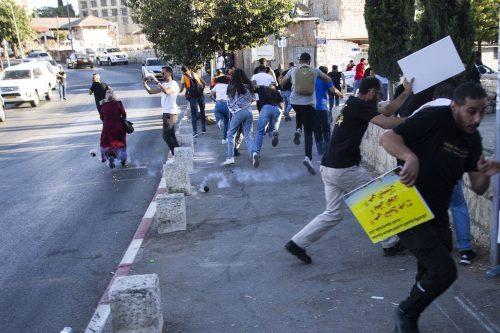 Los habitantes de Jerusalén se enfrentan al intento israelí de…