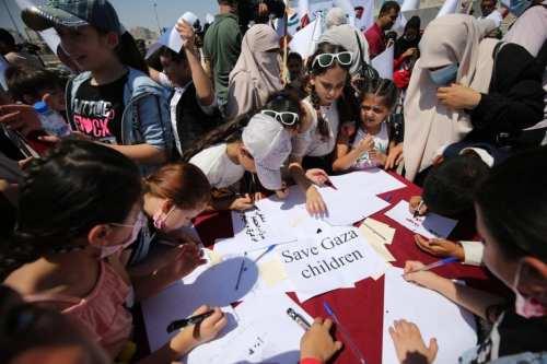 Los niños de Gaza piden al mundo que los salve
