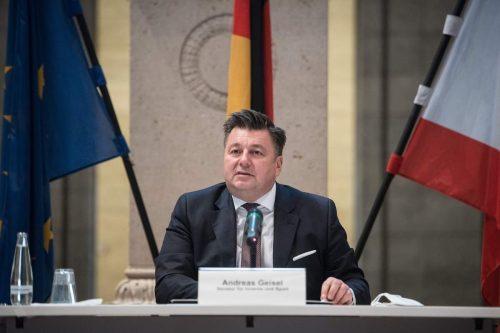 Alemania acogerá a 500 refugiados sirios e iraquíes procedentes del…