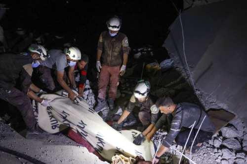 Continúan las labores de rescate mientras el régimen de Assad…