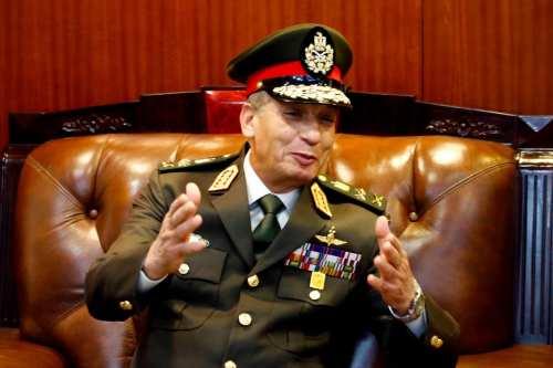 Egipto firma un protocolo de cooperación militar con Serbia