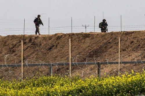 El ejército israelí refuerza sus tropas a lo largo de…