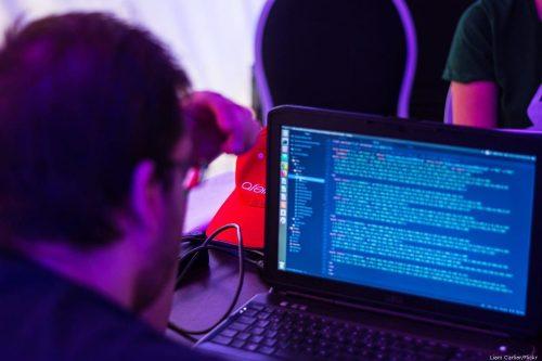Hackers de Estados Unidos se enfrentan a cargos por trabajar…