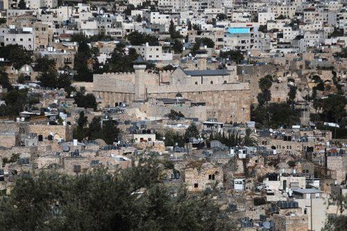 Israel prohíbe a los musulmanes entrar en la mezquita de…