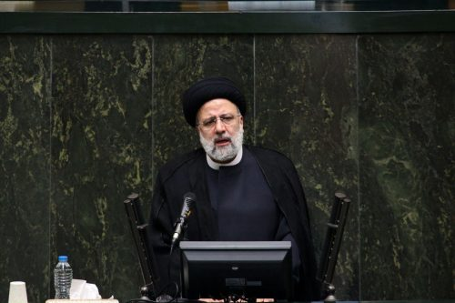 Irán: Raisi advierte que las conversaciones nucleares con las grandes…