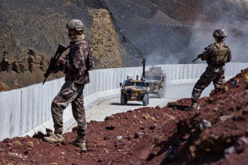 Mueren 2 soldados turcos en operaciones transfronterizas
