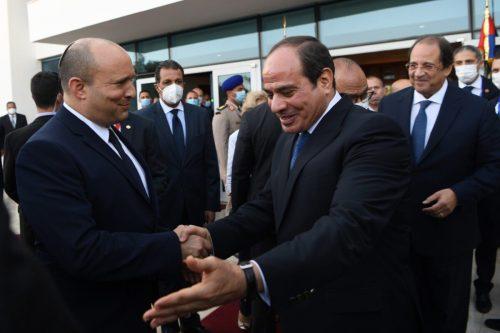 """¿Fue realmente """"histórica"""" la visita de Bennett a Egipto?"""