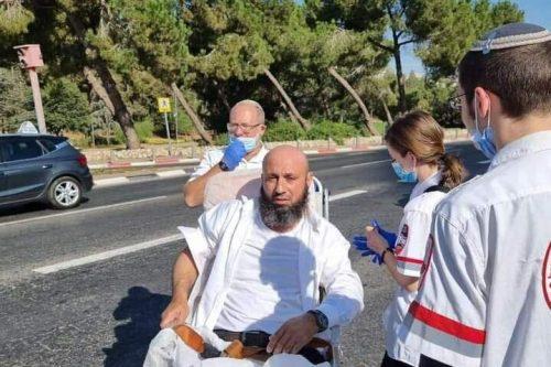Un hombre israelí intenta estrangular a un conductor palestino en…