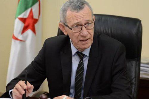 """El ministro de comunicación argelino sostiene que """"toda Argelia está…"""
