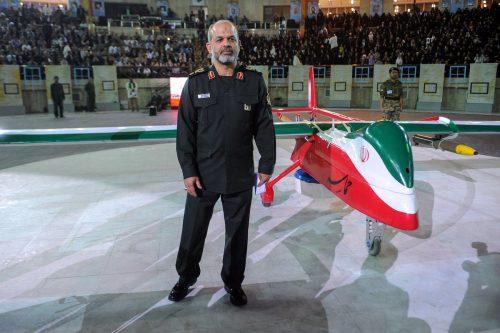 Gantz asegura que Irán está entrenando a milicias con drones…