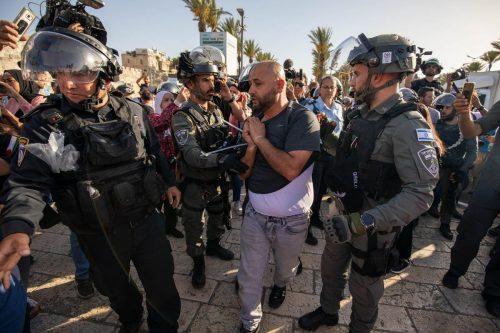"""¿Cuántos palestinos más deben morir en nombre de la """"seguridad""""…"""
