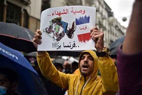 Dos ministerios de Argelia suspenden el uso del francés en…