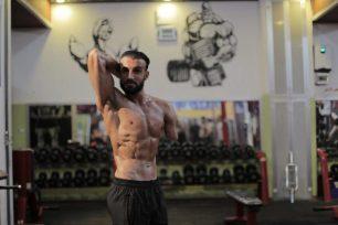 El palestino Nidal Al-Da'our es un inspirador campeón de halterofilia. Resultó herido después de que su ambulancia fuera alcanzada por la artillería israelí mientras conducía para evacuar a una familia durante la gran ofensiva militar israelí de 2008/9.