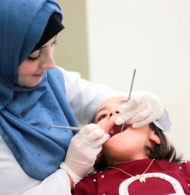 A dentista Sahar Redwan e seus desenhos nas mídias sociais