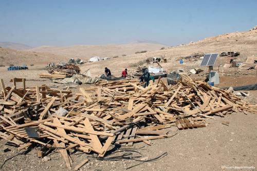 Casa palestina no norte do vale do Jordão demolida por Israel em 16 de setembro de 2016 [Nedal Eshtayah / Wikipedia]