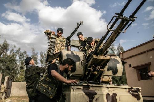 Forças do Governo de União Nacional, em Trípoli, Líbia, 27 de março de 2020 [Amru Salahuddien/Agência Anadolu]