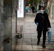 Marroquinos processam governo espanhol por discriminação nas evacuações em meio à pandemia