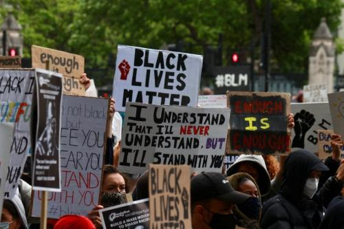 Protesto de Black Lives Matter (Vidas Negras Importam) em Londres, Reino Unido, 7 de junho de 2020 [Lauren Lewis/Monitor do Oriente Médio]