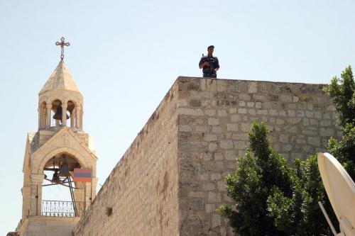 Igreja da Natividade em Belém, Cisjordânia ocupada, 5 de agosto de 2009 [Najeh Hashlamoun/Apaimages]