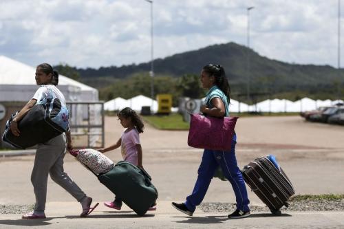 Imigrantes venezuelanos cruzam a fronteira com o Brasil.Mercelo Camargo, Agencia Brasil
