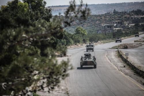Patrulha conjunta da Rússia e Turquia rondam Idlib, noroeste da Síria, 10 de junho de 2020 [Izzeddin Idlibi/Agência Anadolu]
