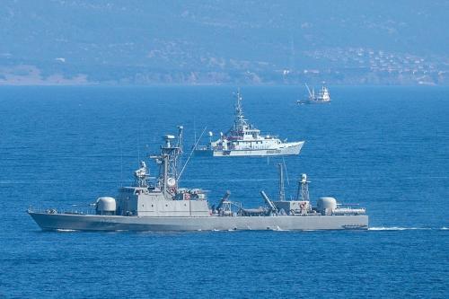 Barco de patrulha da Marinha da Grécia é visto no Mar Egeu, entre Turquia e a ilha de Lesbos, 13 de outubro de 2019 [Christopher Furlong/Getty Images]