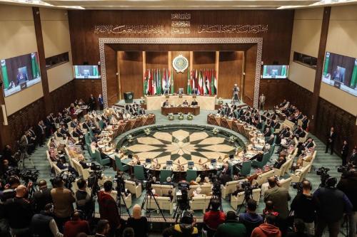 Os Ministros das Relações Exteriores Árabes participam de sua 153ª sessão anual na sede da Liga Árabe na capital egípcia Cairo, em 4 de março de 2020. [Mohamed El-Shahed/ AFP via Getty Images]