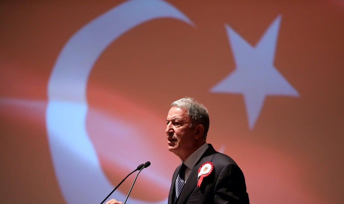 Ministro da Defesa da Turquia Hulusi Akar, em Ancara, Turquia, 12 de outubro de 2020 [Arif Akdogan/Agência Anadolu]