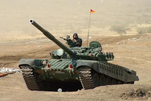 Tanque blindado pertencente ao exército indiano [foto de arquivo]