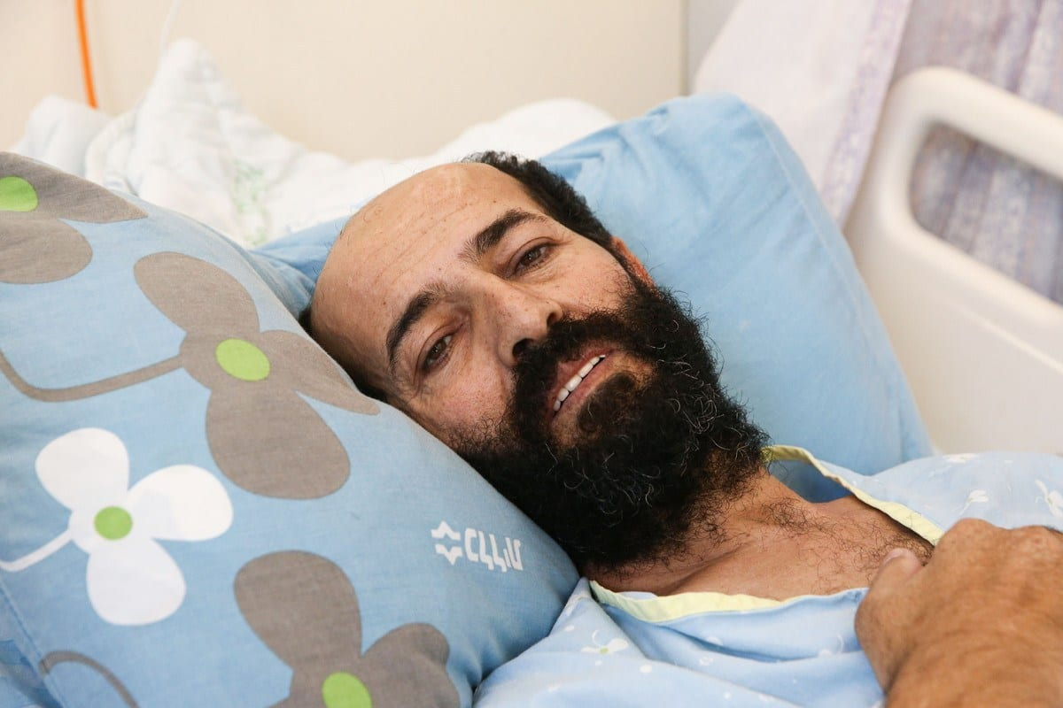 Prisioneiro palestino na prisão israelense Maher Al-Akhras [Agência Mostafa Alkharouf / Anadolu]