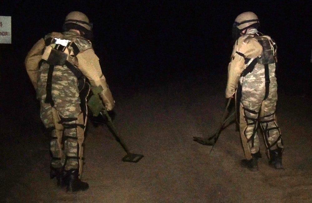 Vídeo mostra soldados azeris patrulhando a região de Kalbajar, após 27 anos sob controle da Armênia, em 25 de novembro de 2020 [Ministério da Defesa do Azerbaijão/Agência Anadolu]