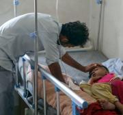 Surto de sarna entre os deslocados no Iêmen, alerta Médicos Sem Fronteiras