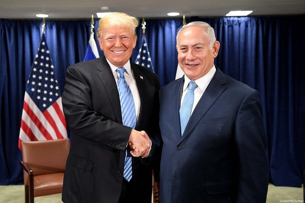 O presidente dos EUA, Donald Trump (L) e o primeiro-ministro israelense Benjamin Netanyahu [IsraeliPM / Twitter]